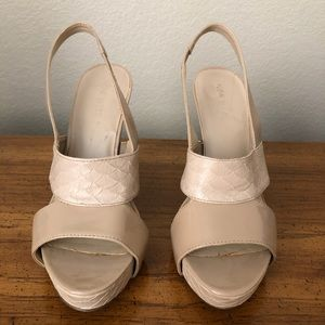 Sz 7 Nude Nine West platform sandals